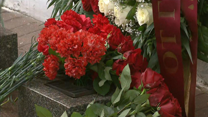 В Берлине возложили цветы по случаю годовщины окончания Второй мировой войны.