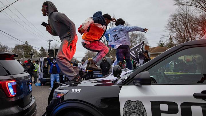 В США освободили под залог экс-сотрудницу полиции, застрелившую афроамериканца