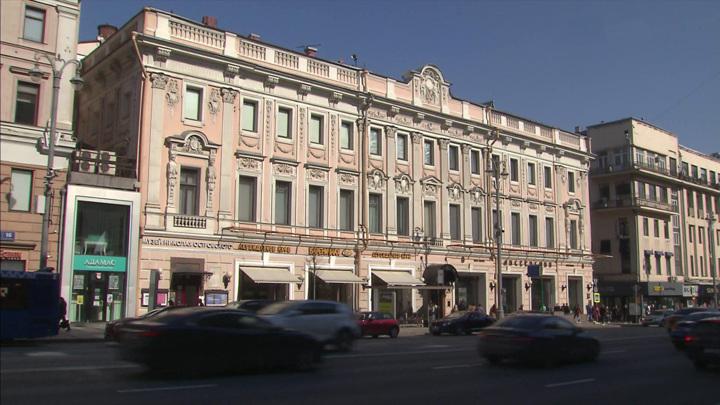 В Москве закрылся знаменитый Елисеевский гастроном
