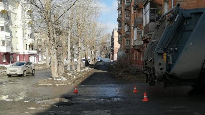 Мусоровоз сбил 5-летнего мальчика в Новосибирске