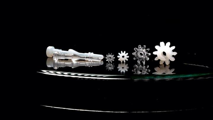 Новый композитный материал позволяет отливать сложные изделия из стекла.