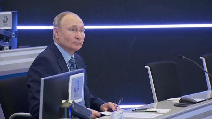 Путин назвал координационный центр правительства современным инструментом управления