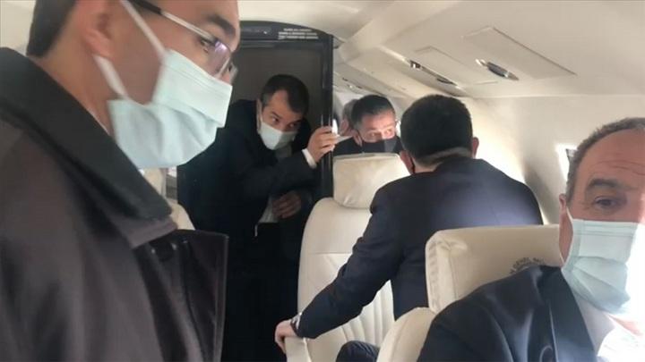 Самолет турецкого министра экстренно сел из-за отказа двигателя
