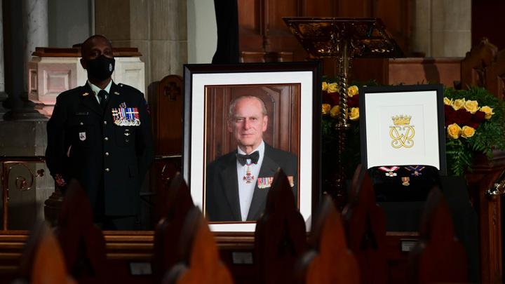 Похороны принца Филиппа: сюрприз от Гарри и Уильяма