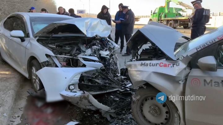 Один водитель погиб в результате аварии встречных иномарок в Уфе