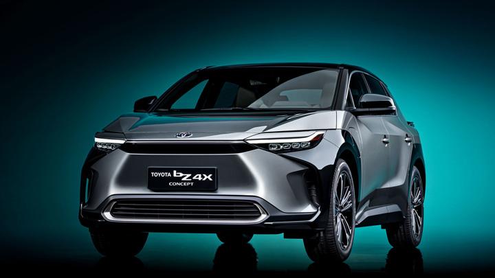 Toyota представила свой первый массовый электромобиль