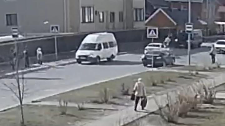 Жестокая авария со школьницей в Ульяновске попала на видео