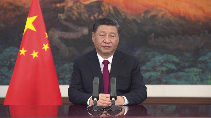 Си Цзиньпин провёл сеанс видеосвязи с китайскими космонавтами