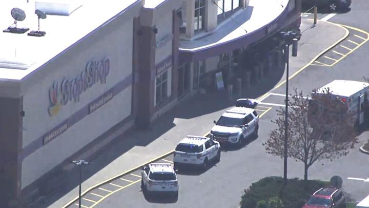 В США сотрудник продуктового магазина расстрелял коллег по работе