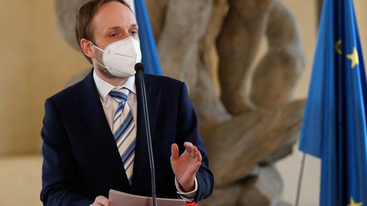 Новый чешский министр начинает свою работу с ультиматумов России