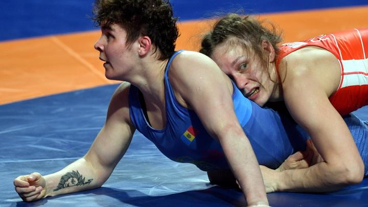 Хорошавцева завоевала золото чемпионата Европы по борьбе