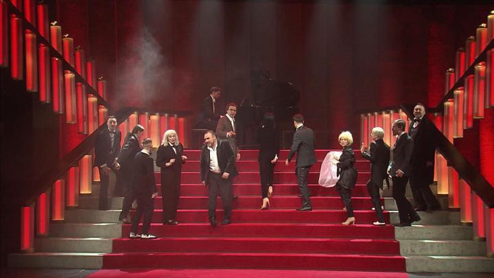 """В Театре на Таганке показали спектакль """"Вишневый сад. Комедия"""""""