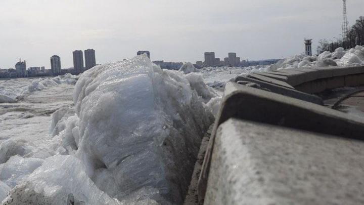 Ледоход  в районе Благовещенска повредил городскую набережную