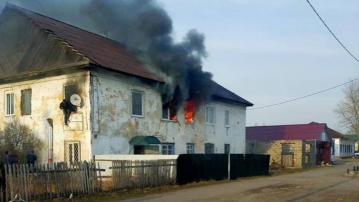 В Хакасии трое детей погибли, оставшись одни в запертой квартире