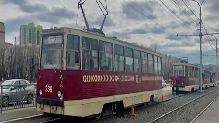 В Красноярске пенсионерку сбил трамвай