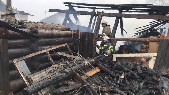 Крупный пожар произошел в частном доме в Кудымкарском городском округе