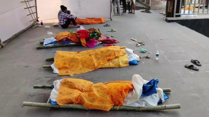 В Ганге нашли десятки тел умерших от ковида людей