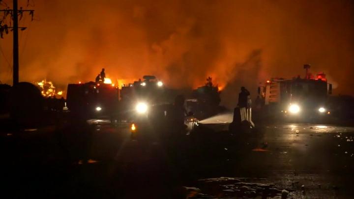 Пожар и взрывы на стоянке бензовозов: 9 человек погибли, 14 – ранены