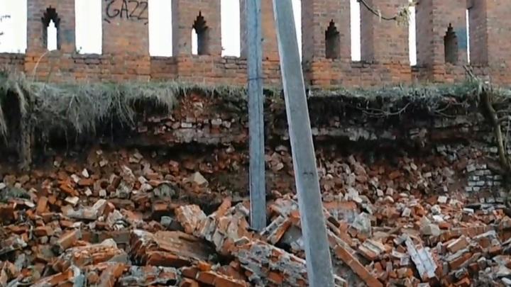 В центре Смоленска осыпался участок крепостной стены