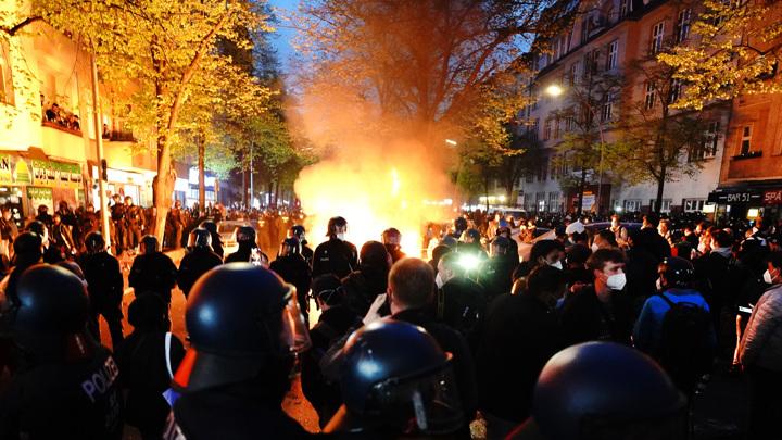 Немецкие власти осудили первомайское насилие