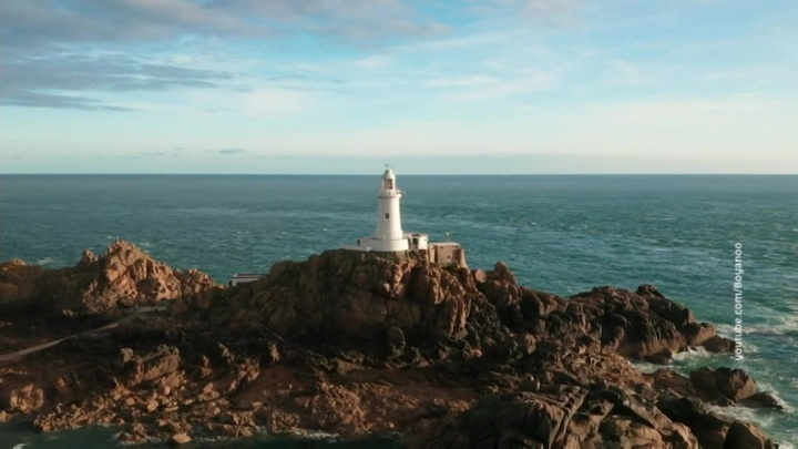 Великобритания направляет корабли к острову Джерси после угроз Франции