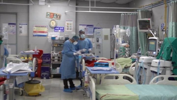 """Инфицированных COVID-19 в Индии начала поражать """"черная плесень"""""""