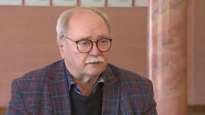 75 лет Владимиру Бортко: он умеет снимать Москву в Петербурге