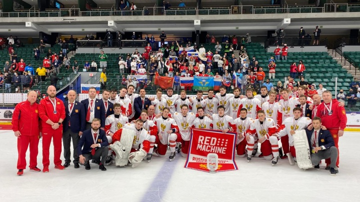 Серебряные призеры юниорского чемпионата мира вернулись в Москву