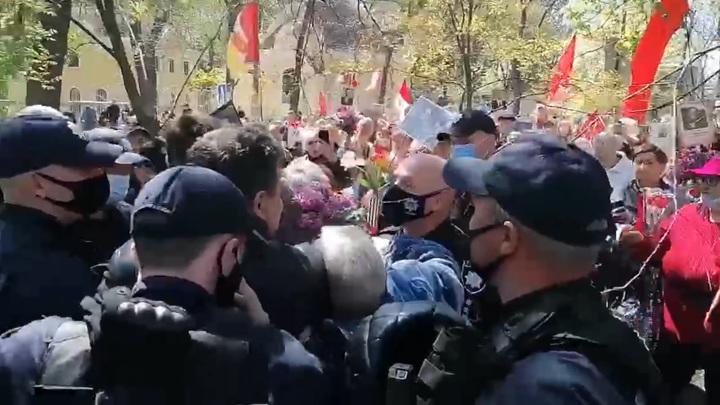 В Одессе произошли задержания за георгиевские ленты