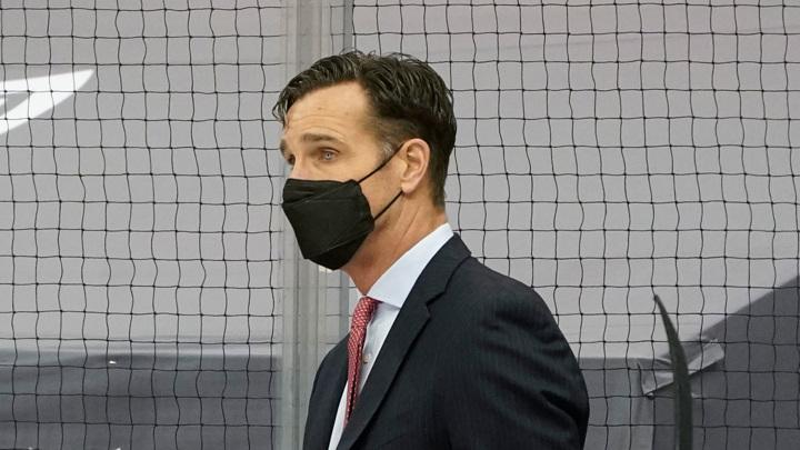 """Тренер """"Нью-Йорк Рейнджерс"""" отправлен в отставку"""