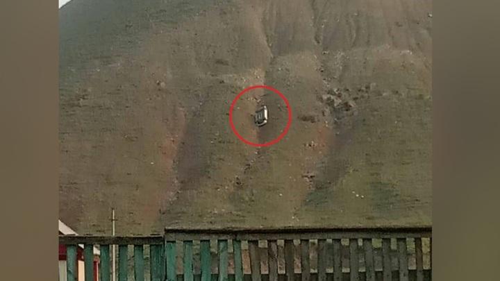 Странная авария: на склоне горы в Башкирии нашли перевернутую машину