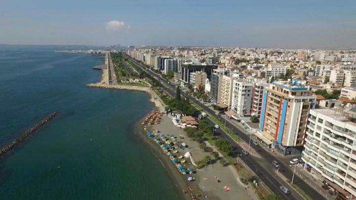 """На Кипре возбуждено первое уголовное дело из-за скандала с """"золотыми паспортами"""""""