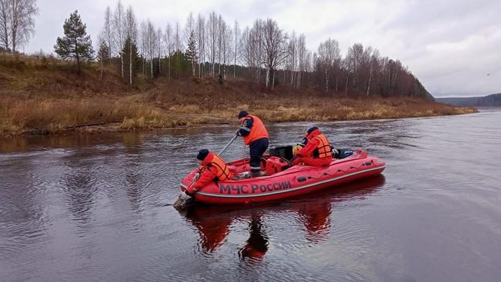 Поиски обломков разбившегося вертолета возобновили в Вологодской области
