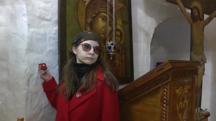 Рядом с историей: студенты-реставраторы начали работу в Псково-Печерском монастыре