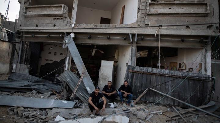 В секторе Газа обезвредили 300 неразорвавшихся израильских снарядов