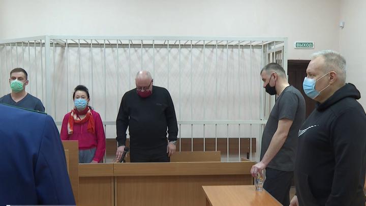 В Североморске осудили бывших сотрудников МЧС