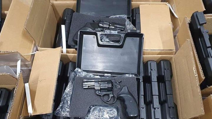В Румынии предотвращена поставка 2850 турецких револьверов на Украину