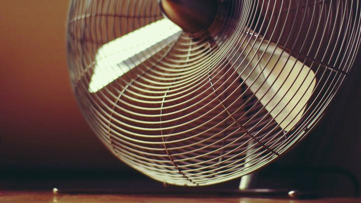 Кондиционер или вентилятор: как выбрать приборы для спасения от жары