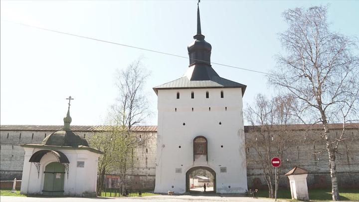 В Кирилло-Белозерском музее-заповеднике продолжается реставрация крепостных стен