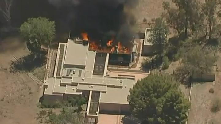 В Калифорнии неизвестный расстрелял людей в пожарной части