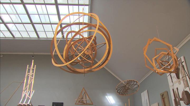 В Новой Третьяковке открылась выставка художника-изобретателя Вячеслава Колейчука