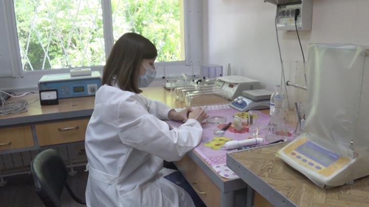 """В России проходят испытания комбинации вакцин AstraZeneca и """"Спутник Лайт"""""""