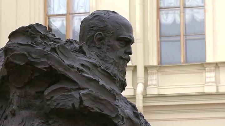 Расцвет Гатчины: памятник Александру III и масштабная реставрация