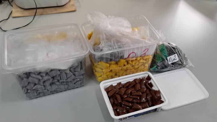 Шарики для взрослых: в Мурманске преступники прятали наркотики в необычном месте