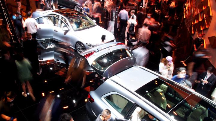 В Китае впервые за последние 14 месяцев упали продажи автомобилей