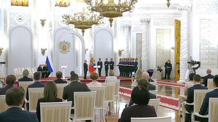Путин считает, что День России знаменует как историю, так и нынешнее развитие страны