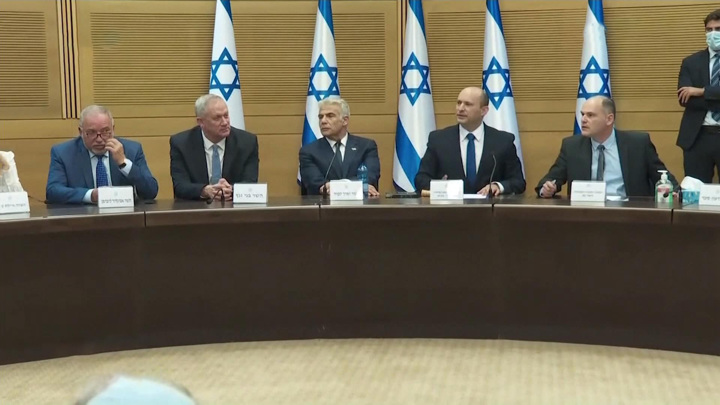 У Израиля новый премьер, но политический кризис не преодолен