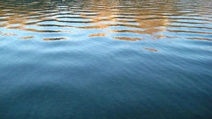 В Карелии водолазы подняли тела утонувших супругов