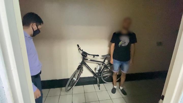 """""""Пришел. Увидел. Утащил"""": в Калининграде доставщик еды угнал велосипед"""