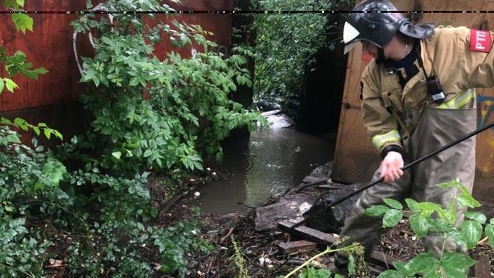 В Ростовской области ликвидируют последствия сильного дождя в станице Тацинской
